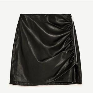 "2e91c412e16bb9 Zara Skirts - BNWT ZARA Black ""Leather"" side zip mini skirt   S"